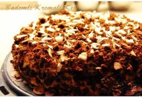 Bademli Kremalı Kek